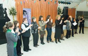 La Dona Vilanovina lliura els premis del 2n Concurs de Poesia en el marc d'una emotiva celebració del 15è aniversari
