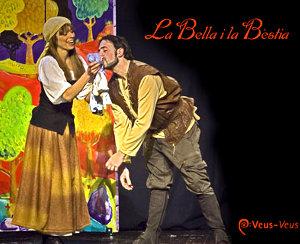 Lluïda i concorreguda representació de La Bella i la Bèstia, a Can Papasseit