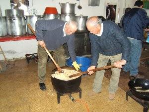 Celebren la matança del porc a l'estil extremeny a Can Papasseit