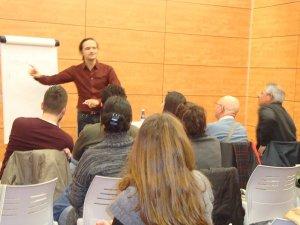 El seminari de Comunicació i Treball en equip aplega una quarantena de participants