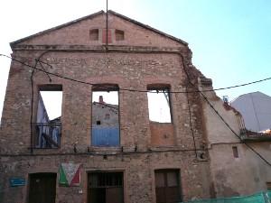 Última fase de la demolició de l'illa de La Cooperativa