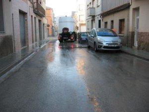 L'Ajuntament procedeix a la neteja dels carrers de l'entorn del mercat