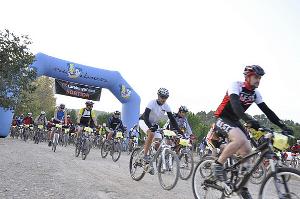 El Memorial Mossèn Borràs reuneix prop de 200 ciclistes que van pedalar per la Marató de TV3
