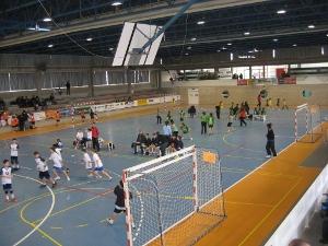 17 equips d'handbol de la Catalunya Central gaudeixen d'un matí de joc i aprenentatge