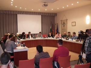 Crònica del Ple – El ple vilanoví dóna suport a la ILP de la Renda Garantida Ciutadana
