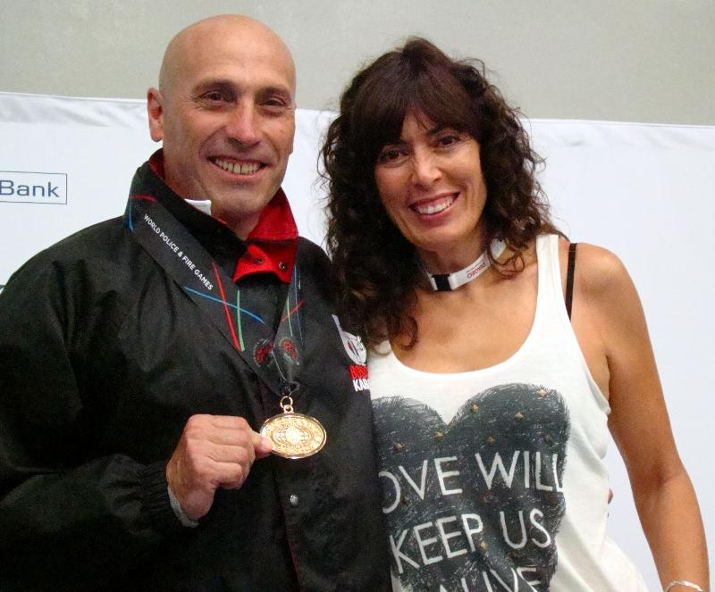 Luis Alejandro guanya l'or a les olimpíades de policies i bombers de Belfast