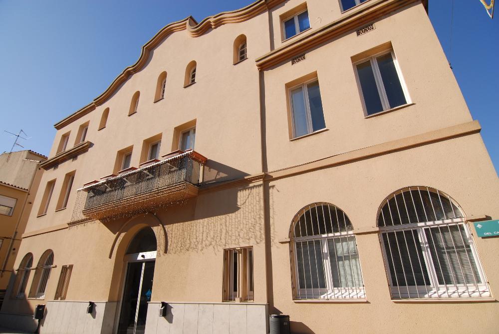 L'Ajuntament de Vilanova obre la convocatòria de beques per a estudiants universitaris i de grau mig i superior