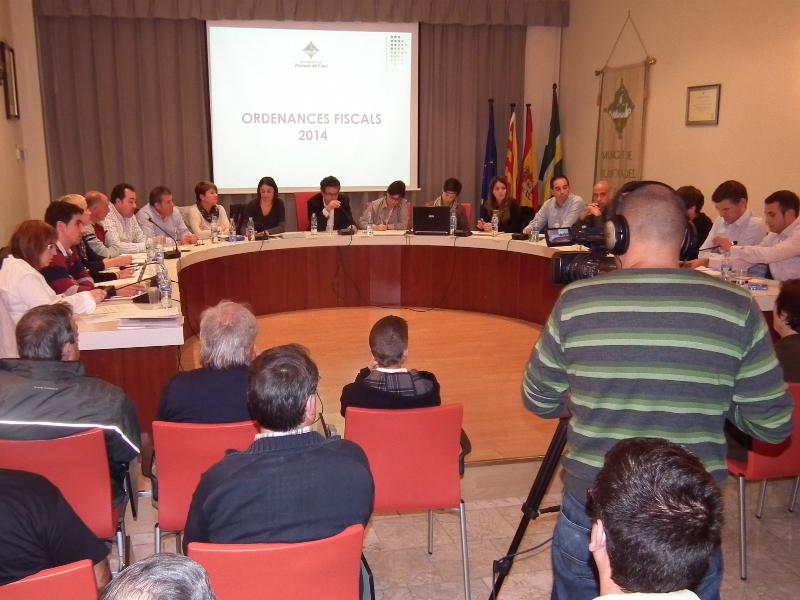 El regidor d'IPV-VV, Juan Manuel Cividanes, qualifica d'inexistent la democràcia a Vilanova del Camí