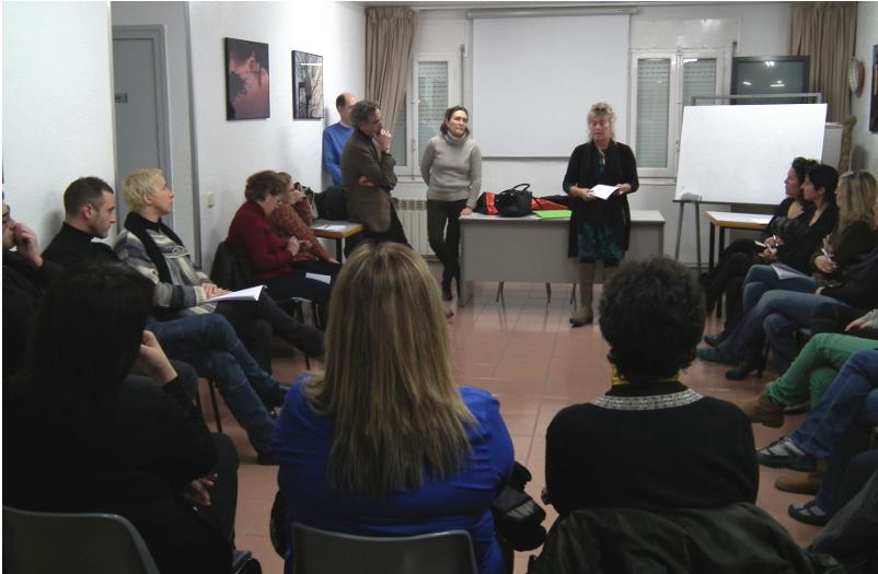 Una vintena de persones s'interessen pel taller de mediació de conflictes