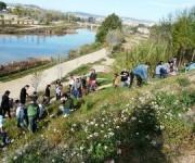 GEDEN mostra l'ecosistema del riu als escolars i fa una crida per netejar l'entorn