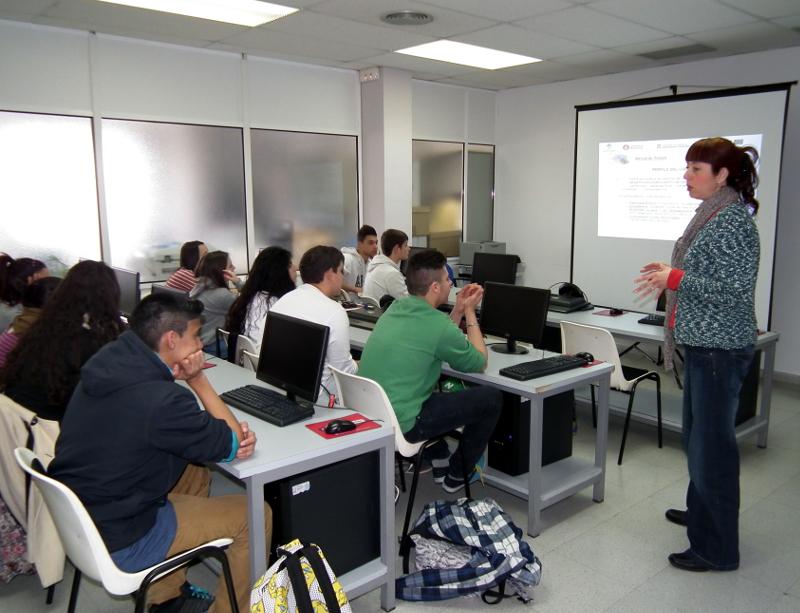 Primera sessió d'orientació per als alumnes que acaben l'ESO