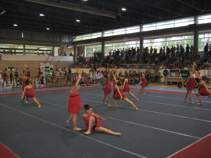 Activitat oberta a la dansa amb l'AMPA Joan Maragall i el CG San Roque