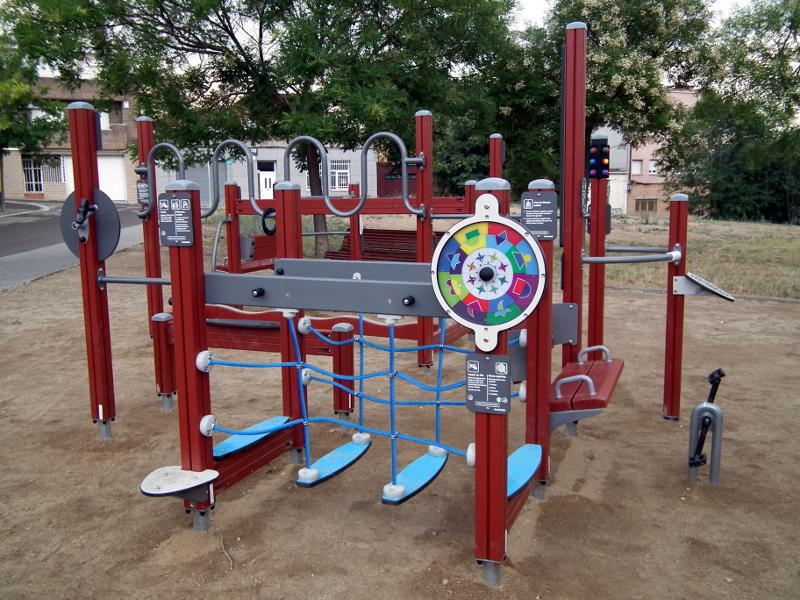 Els veïns dels barris Bonavista i La Pau podran fer gimnàstica a la plaça Gertrudis Artigal