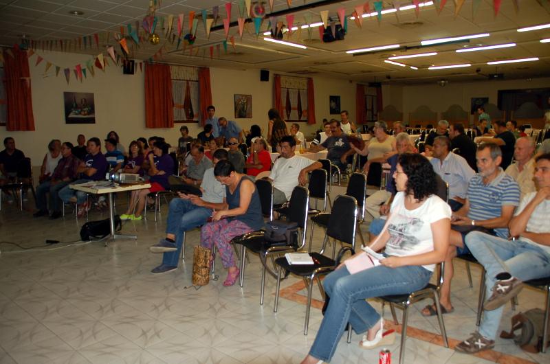 Unes setanta persones participen a la primera assemblea de Podem