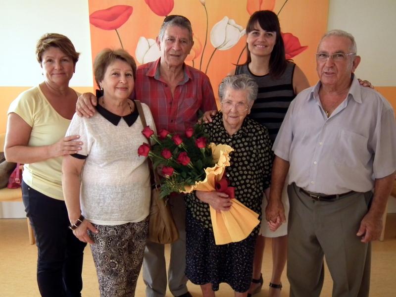 Vicenta Garzo, una iaia centenària que ha passat gairebé mitja vida a Vilanova