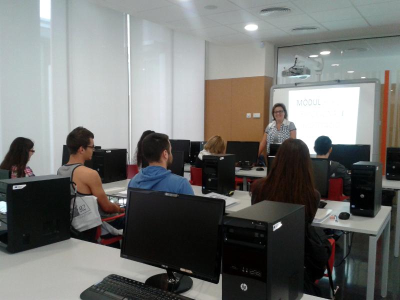 8 joves vilanovins participen a la 3a edició del Projecta't: prova un ofici