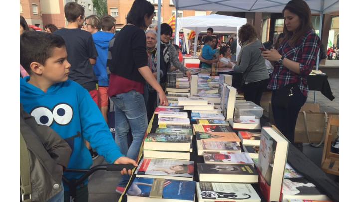 Entitats i comerços valoren positivament la Diada de Sant Jordi a Vilanova del Camí