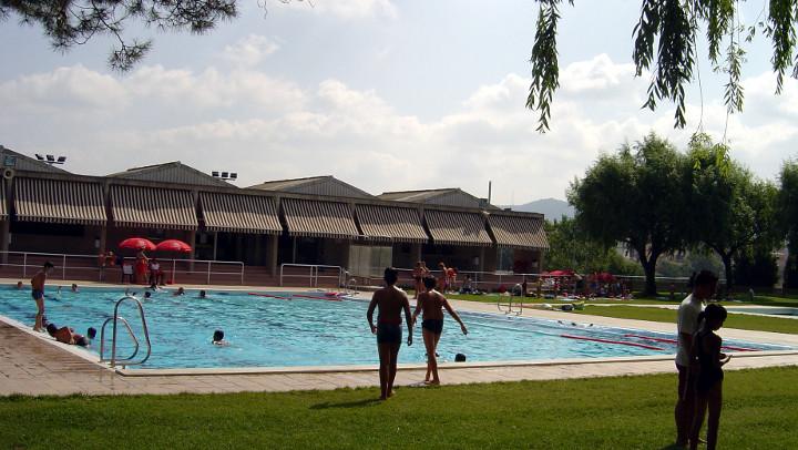 L'Ajuntament licita el servei de bar a la piscina per als tres mesos d'estiu