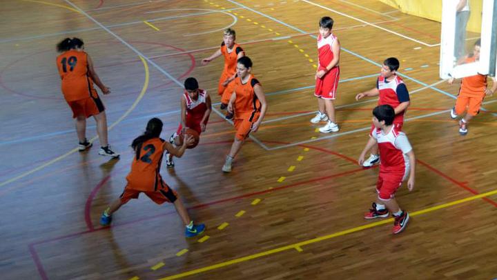El Club Bàsquet Endavant desaprofita l'oportunitat davant l'Olesa