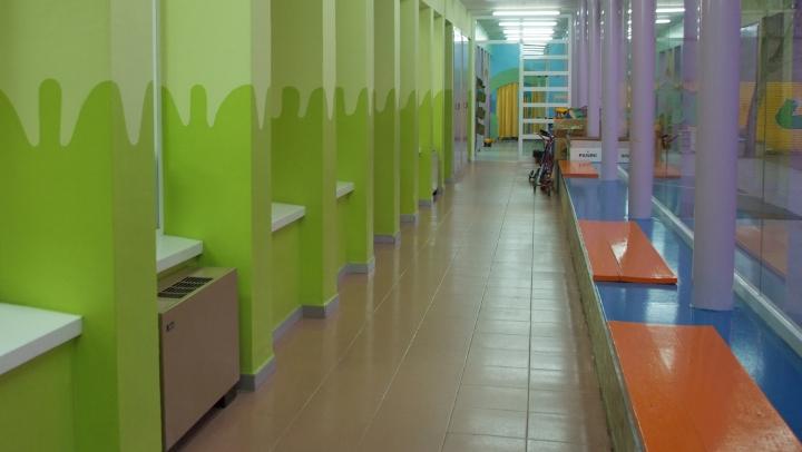 Tallers de massatge infantil i psicomotricitat a la ludoteca El Cireret