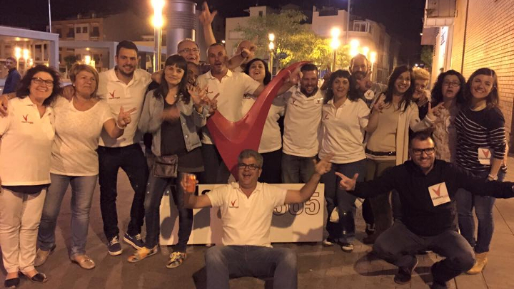 Vanesa González guanya les eleccions malgrat tot pronòstic