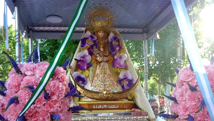 Primera celebració en agraïment als peregrins i portants del Rocío