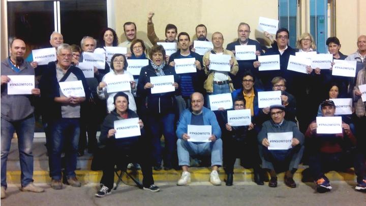Una trentena de vilanovins secunden la crida '9Nsomtots'