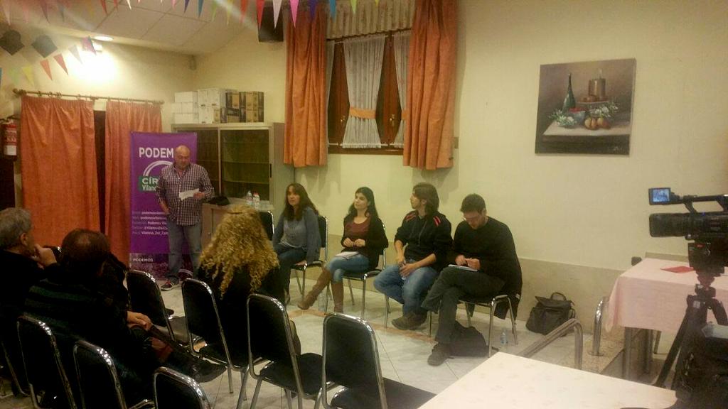 Diputats de Podemos a la trobada de Parlament Obert del cercle vilanoví