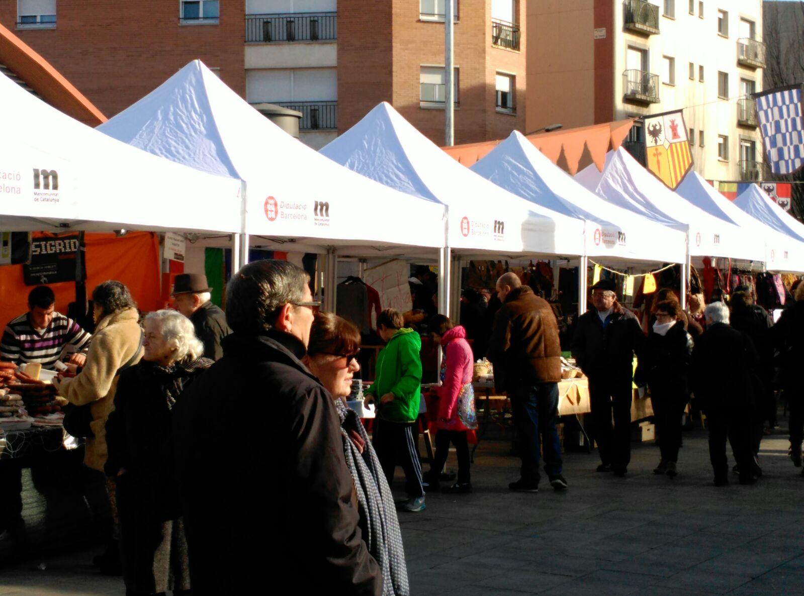 Vilanova recupera les arrels medievals durant la Fira del Camí Ral que torna a atraure milers de visitants