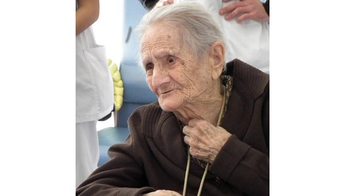 Homenatge de l'Ajuntament i la Generalitat a Teodora Vaquero en motiu del seu 103 aniversari