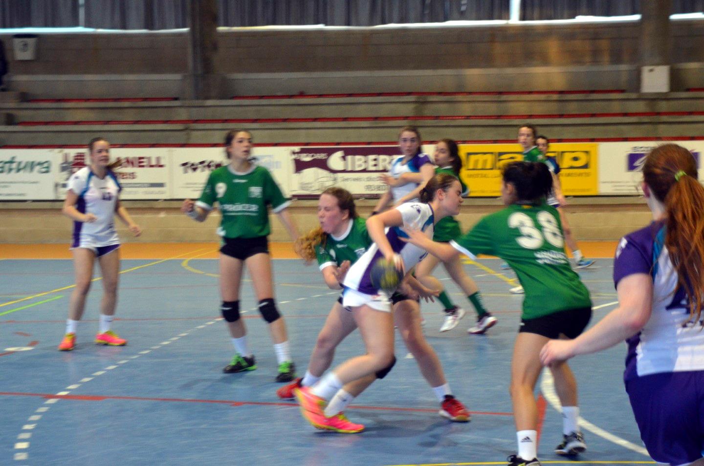 Victòria i bon handbol de les cadets i juvenils vilanovines