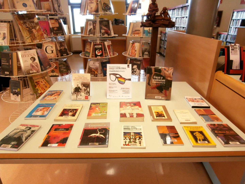 Nova exposició i Club de lectura a la biblioteca vilanovina