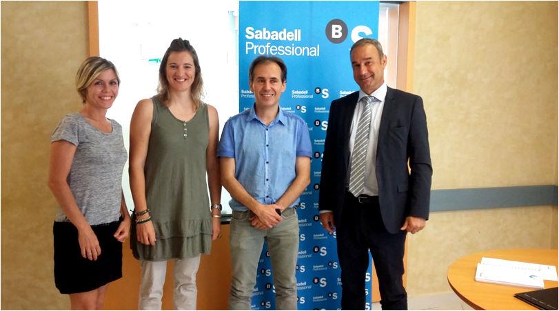 Vilanova Comerç i Banc Sabadell signen un conveni de col·laboració