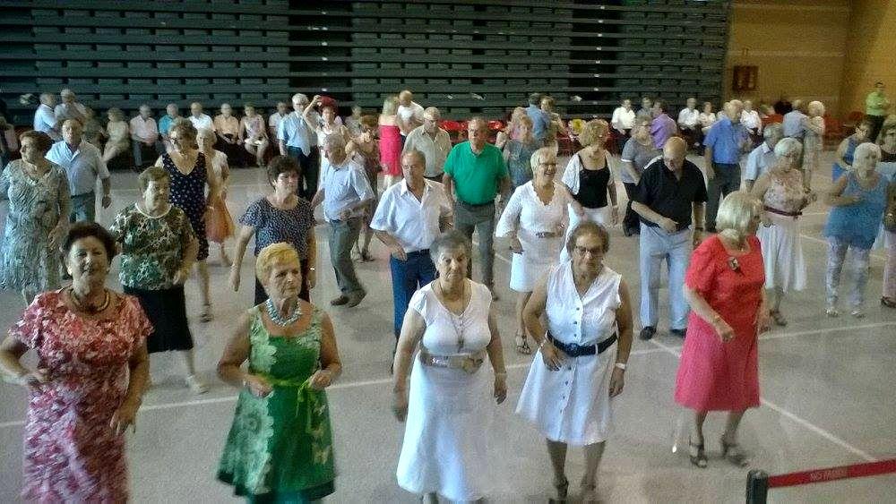 """El grup """"Los de Gala"""" tanquen la temporada de ball del Casal"""