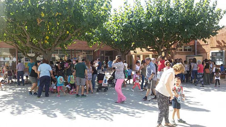 Escola Joan Maragall. Entrada al matí. Foto Pedro Nogales