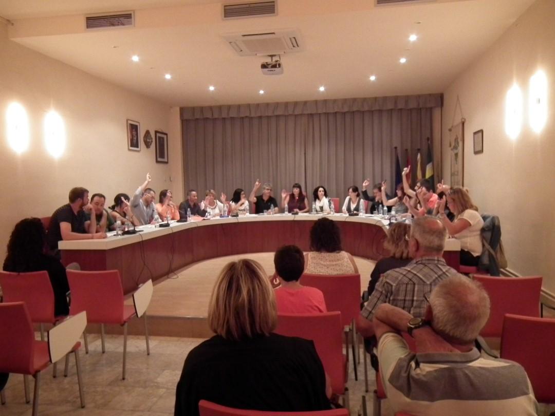 CRÒNICA DEL PLE – Més de 50 preguntes i dues hores de plenari