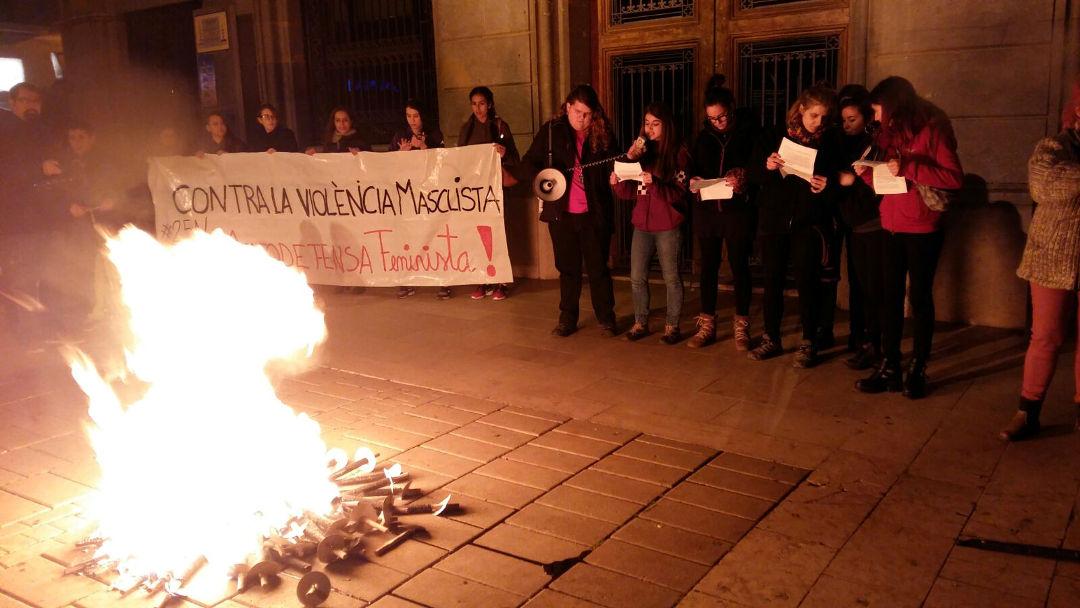 El 25N uneix la conca en l'expressió de voluntats per eliminar la violència masclista