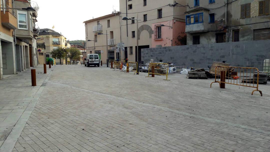 AVÍS: Demà s'obre al trànsit el carrer i la plaça Major