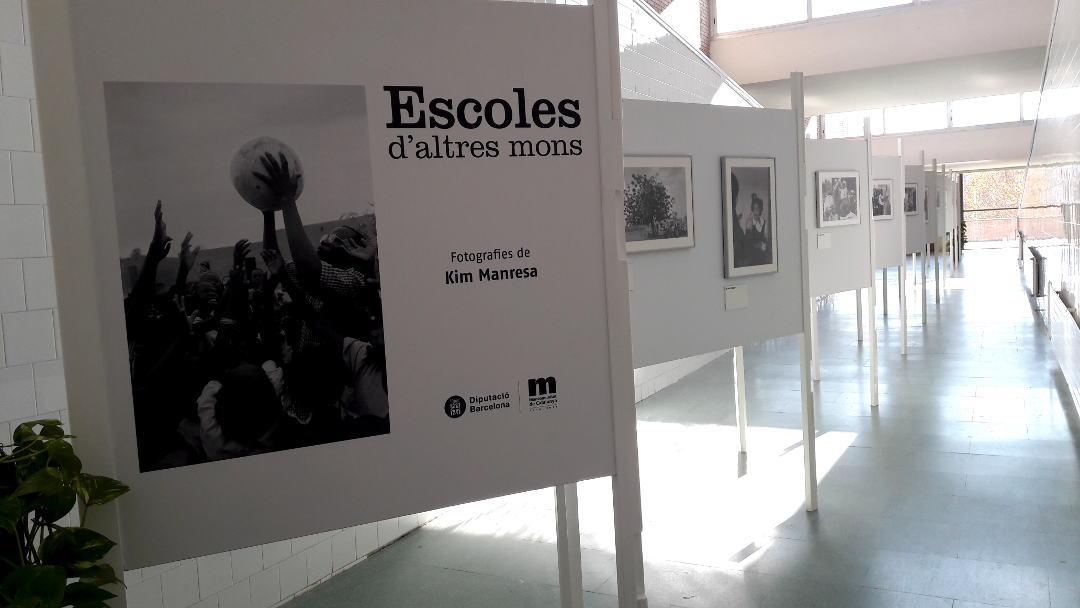 La mostra 'Escoles d'altres mons' convida a posar en valor l'educació |FOTOS|