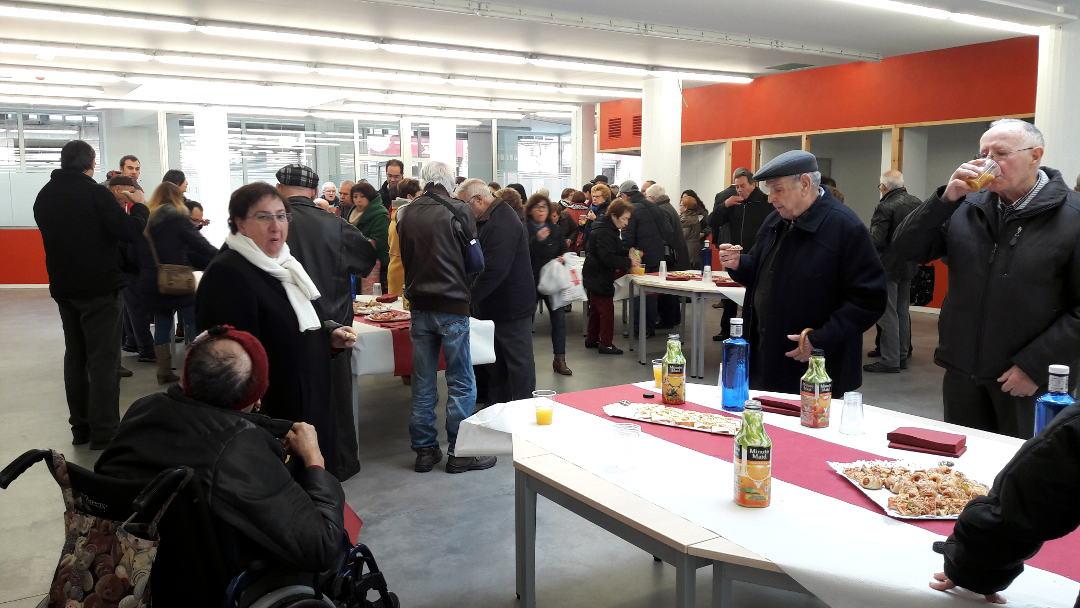 Una vuitantena de persones visiten el Casal durant la jornada de portes obertes