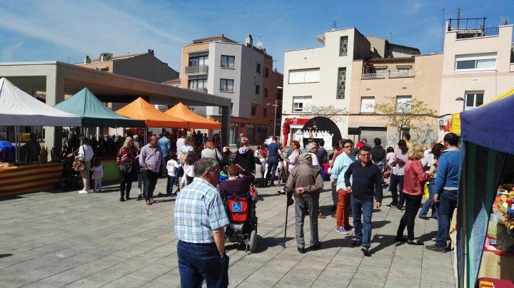 Els partits polítics locals també van tenir presència a la fira de Sant Jordi
