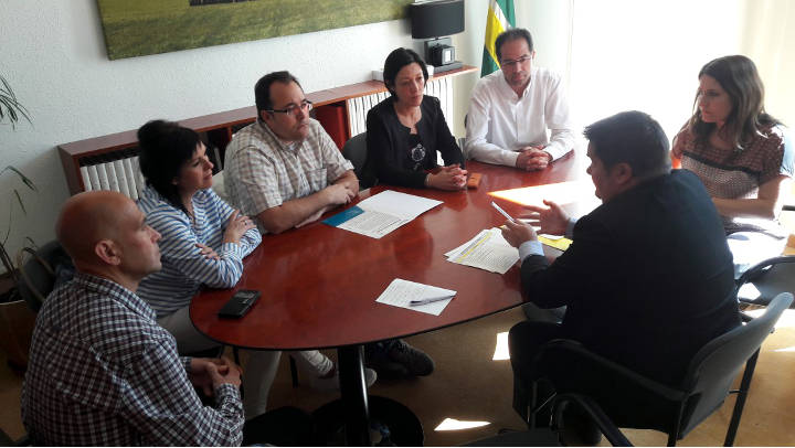 Vilagrà i Massegú visiten, amb l'equip de govern, les escoles Joan Maragall i Pompeu Fabra