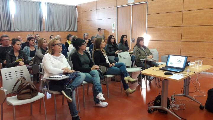 Els vilanovins s'informen sobre com reclamar els diners de les clàusules terra