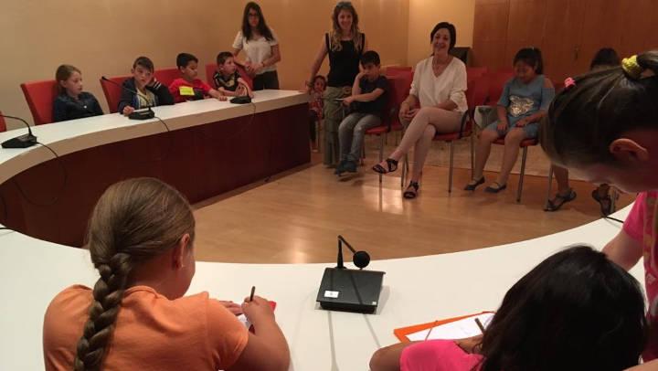 L'alumnat de 2n del Joan Maragall visita l'Ajuntament i entrevista l'alcaldessa |FOTOS|