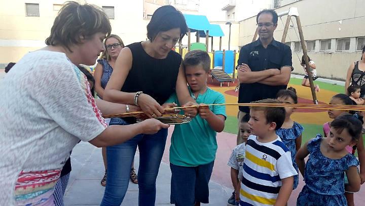 L'Alcaldessa lliura a la ciutat la plaça Francisco Guisado, un nou espai d'esbarjo familiar |FOTO|