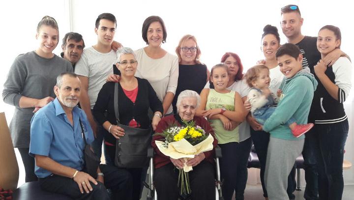 Vilanova suma una nova àvia centenària, Francisca Martínez Garcia |FOTOS|