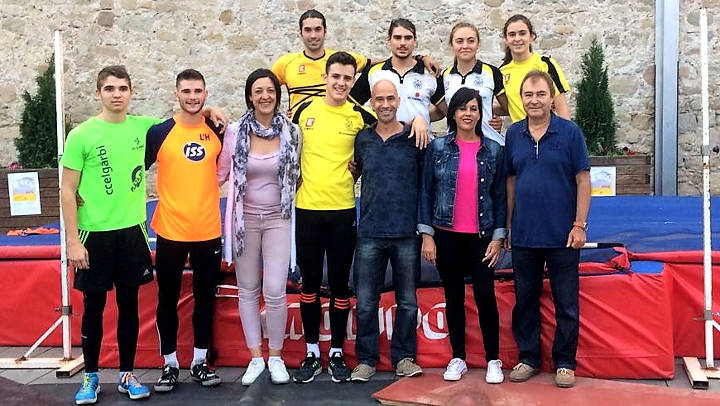 Èxit de participació a la 1a exhibició urbana de salt d'alçada de Vilanova del Camí |FOTOS i VÍDEO|