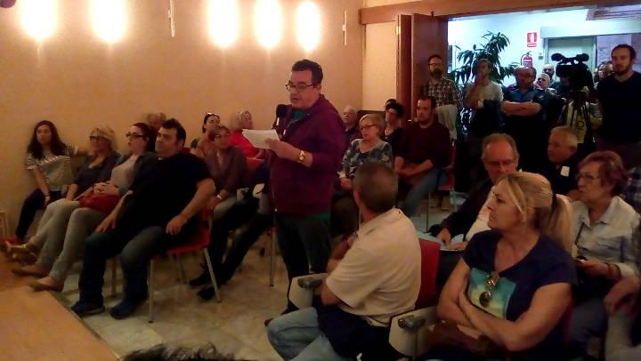 Un grup de veïns porta al Ple la reivindicació de poder votar l'1O a Vilanova