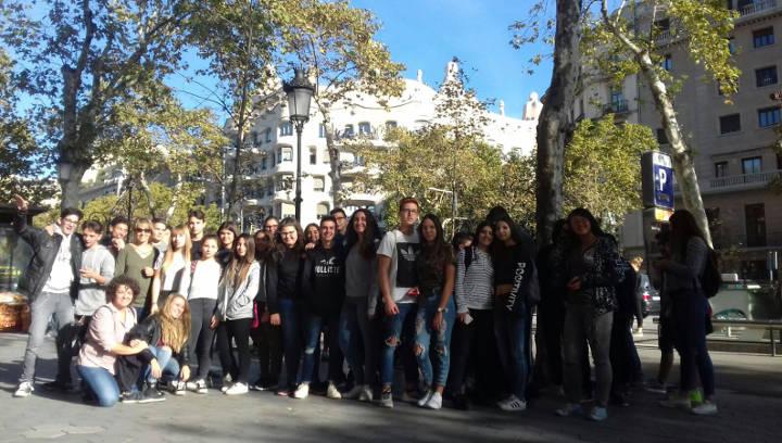 Reeixida sortida al recinte modernista de Sant Pau de l'Institut Pla de les Moreres
