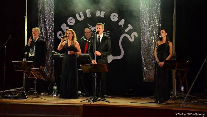 Un ball per a la gent gran amb l'orquestra Orgue de Gats